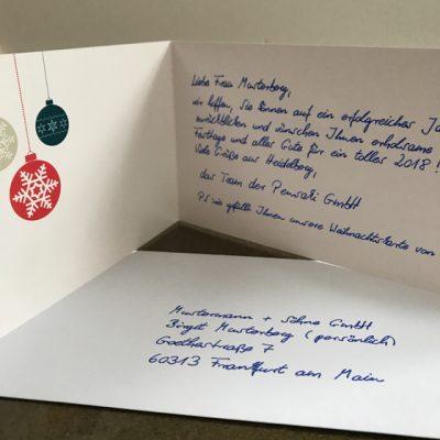 handschriftliche Weihnachtskarten strahlen bereits im Posteingang und bleiben lange in Erinnung als Ausdruck von Wertschätzung